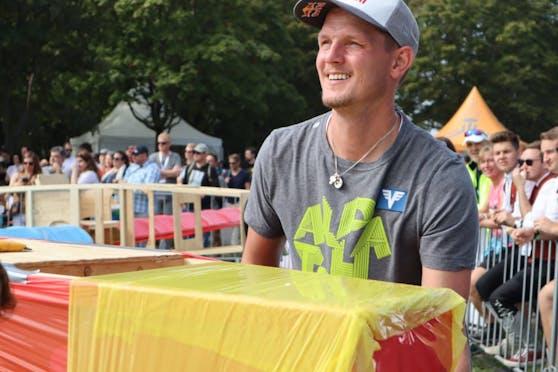 """Thomas Morgenstern startete beim """"Red Bull Flugtag"""""""