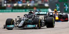 Hamilton siegt im Sotschi-Regen, Verstappen Zweiter