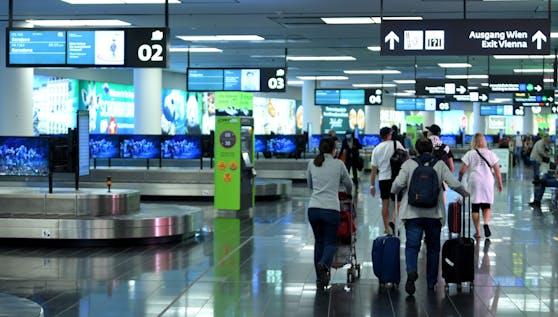 Gleich reihenweise wurden Testfälscher am Flughafen Wien ertappt.