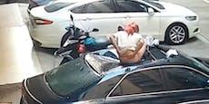 Frau stürzt beim Sex ab, knallt hart auf parkendes Auto