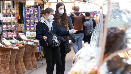 Die FFP2-Schutzmasken geben in Wien ein großes Comeback – für alle.
