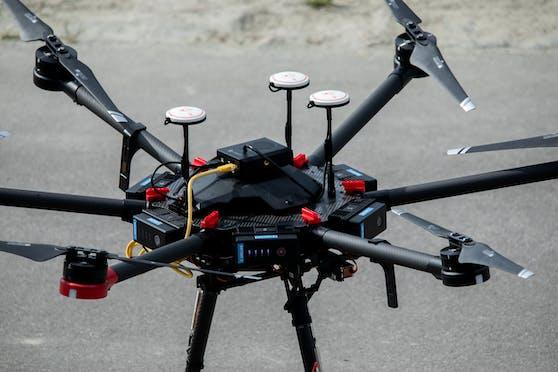 Entwickelt wurde die Drohne vom Robotik-Unternehmen Unmanned Life als autonome Notfall-Such- und Rettungslösung