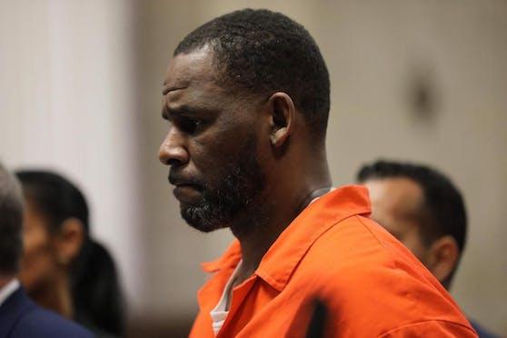 Der US-Musiker R. Kelly ist in einem Prozess um sexueller Misshandlung am 27. September 2021 schuldig gesprochen worden.