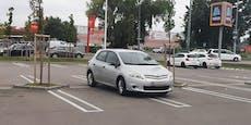 Dieser Autolenker belegt gleich vier Parkplätze