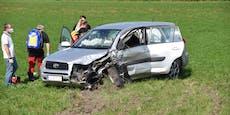 Schwerer Unfall mit drei Fahrzeugen – vier Verletzte
