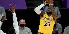 Superstar LeBron James knickt ein, lässt sich impfen