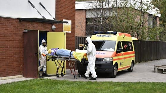 Eine junge Frau (20) ist zwei Wochen nach dem Stich mit dem Johnson-Vakzin an den Folgen eines Schlaganfalls gestorben. (Symbolbild)
