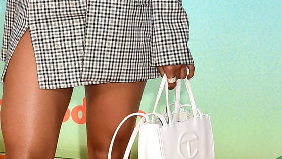 Die Telfar Bag ist ein heiß begehrtes Item, das bis jetzt nur Mode-Insider kennen. Das wird sich bald ändern.