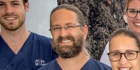 Dr. Maximilian Weiland (Mitte) und sein Team
