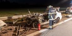 BMW-Fahrer (24) rast unter Lkw – auf der Stelle tot