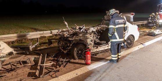 Der BMW-Fahrer hatte bei dem Crash keine Chance.