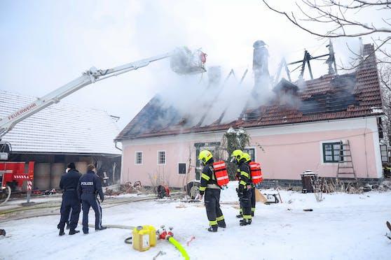 Das Gebäude wurde durch den Brand zerstört.