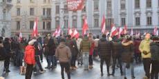 300 Anzeigen – Polizei sagt Corona-Demos den Kampf an