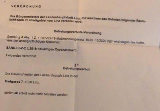 Dieses Dokument wurde der Wirtin noch am Montagabend von Magistratsbeamten vorbeigebracht. Seither ist die Bar geschlossen.