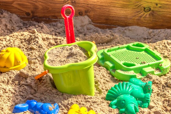 Tatort Kinderspielplatz: Mit Sand aus dem Sandkasten wurde geworfen.