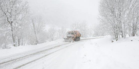 """Tief """"Dimitrios"""" bringt jede Menge Schnee"""