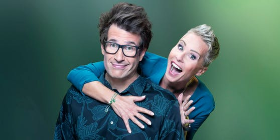 """Ab Freitag lästert sich das Moderatoren-Duo Daniel Hartwich und Sonja Zietlow mit prominenten Ex-Campern durch die RTL-""""Dschungelshow""""."""