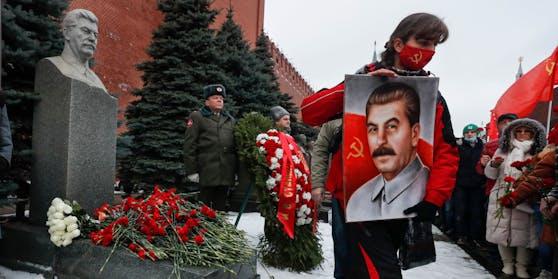 Feierlichkeiten zum Geburtstag Stalins am 21. Dezember 2020