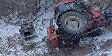 Abgerutscht! Traktor und Laster landeten im Graben