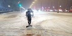Radler müssen in Linz selbst Schnee schaufeln