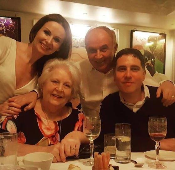 Sue und Basim Shaikh mit ihren Kindern Caroline und Jonathon.