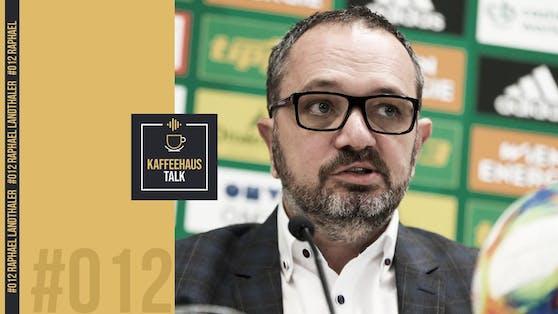 "Raphael Landthaler im Podcast ""KaffeehausTALK""."