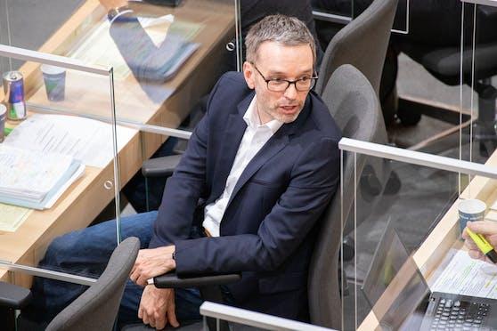 FPÖ-Klubobmann Herbert Kickl griff ÖVP-Nationalratspräsident Wolfgang Sobotka frontal an.