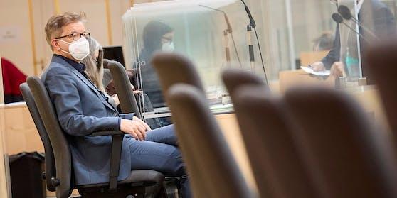 """Am späten Dienstagnachmittag (12.1.2021) begann im Parlament der Gesundheitsausschuss, der sich mit den von ÖVP, Grünen und SPÖ geplanten Berufsgruppentests und mit dem """"Reintesten"""" in Veranstaltungen befasste."""