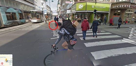 In Linz wurde ein Radfahrer von Google fotografiert, als er den Stinkefinger zeigte.