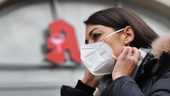 Rot-Kreuz-Chef Gerry Foitik fordert, dass der Mund-Nasen-Schutz komplett durch FFP2-Masken ersetzt werden soll.