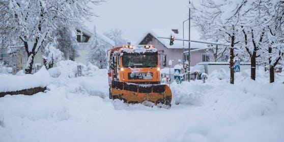 Der Winterdienst ist im Dauereinsatz.