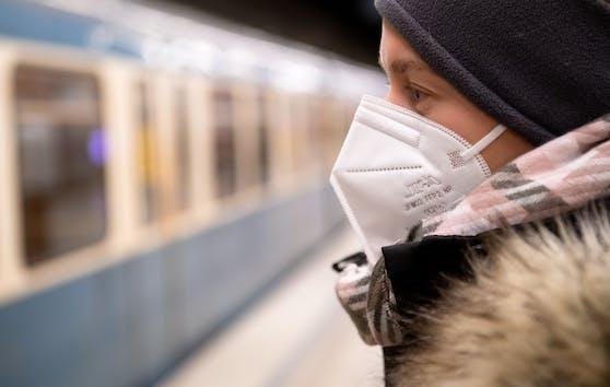 Ab Montag ist die FFP2-Maske im Handel und in den öffentlichen Verkehrsmitteln Pflicht.