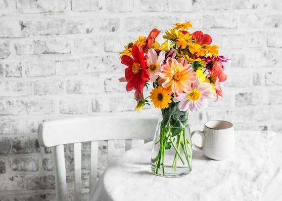 Mit nur ein paar Tricks und den richtigen Platz kann man sich an den Schnittblumen länger erfreuen.
