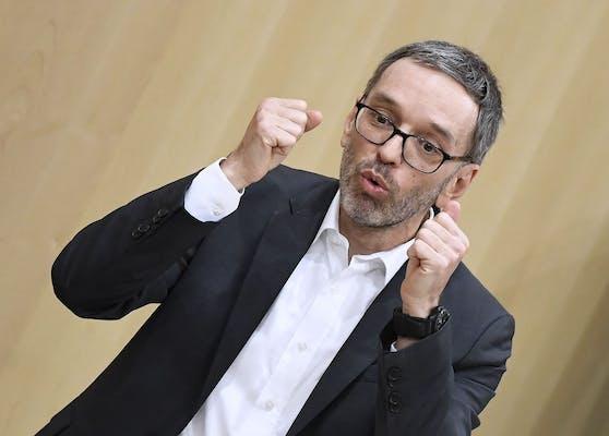 FPÖ-Klubchef Herbert Kickl im Rahmen der Sondersitzung des Nationalrates am 13. Jänner 2021.