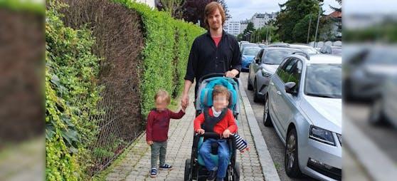 Andi H. (35) mit seinen beiden Söhnen Simon (5) und Noah (2).