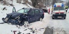 Zwei Schwerverletzte nach Frontalcrash bei Krumbach