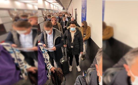 Am Flughafen Wien kam es zu einer Massenansammlung.