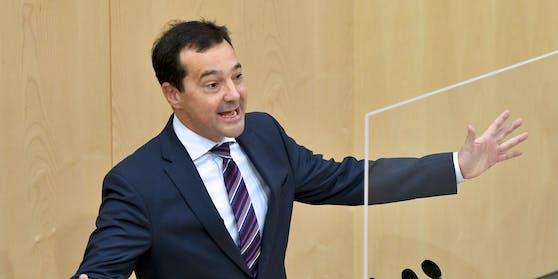 Gerald Loacker am 18. November 2020 im Rahmen einer Sitzung des Nationalrates