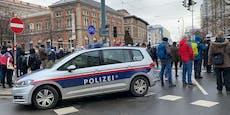 Polizistin ging auf Corona-Demos, nun droht ihr Strafe