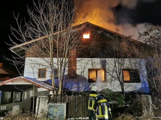 Beide Stockwerke standen in Brand.