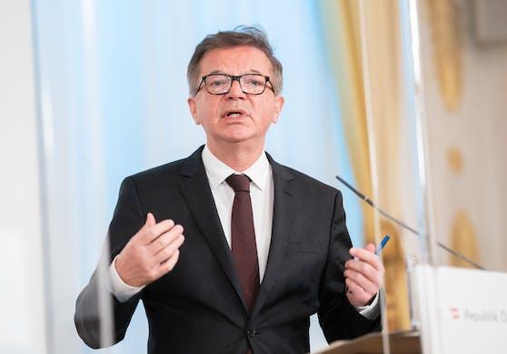 Gesundheitsminister Rudolf Anschober spricht sich gegen die geplanten Abschiebungen aus.