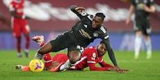 Manchester United wehrt Angriff von Liverpool ab