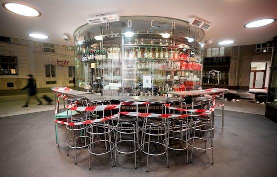 Eine geschlossene Bar in Wien während des Lockdowns. Archivbild