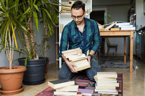 Alte Bücher, die du kein zweites Mal lesen wirst, kannst du problemlos verschenken, spenden oder verkaufen.