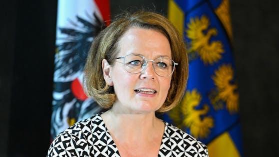 Landesrätin Christiane Teschl-Hofmeister