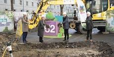 Türkis-lila Schaufeln bei Spatenstich für neue U2/U5