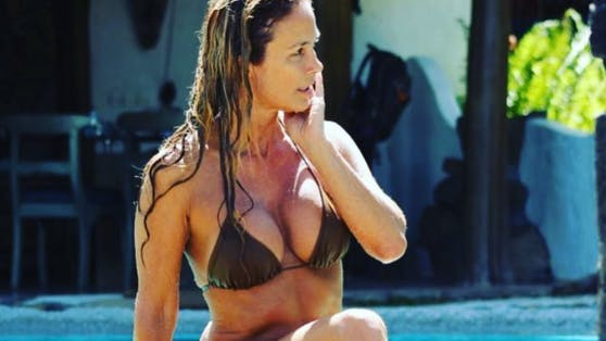 Bikini-Model Leslie Carleton überrascht mit ihrem hohen Alter.