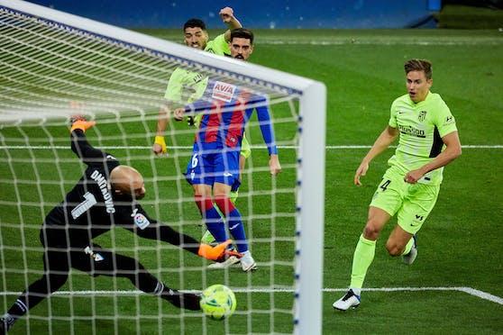 Luis Suarez trifft gegen Eibar doppelt.