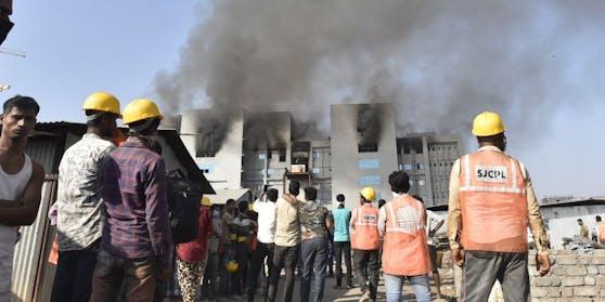 Das Serum Institute in Flammen
