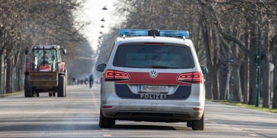 Symbolbild einer Polizei-Streife